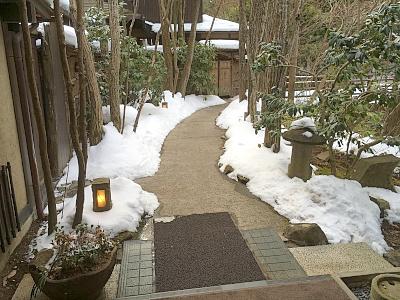 館内の小路