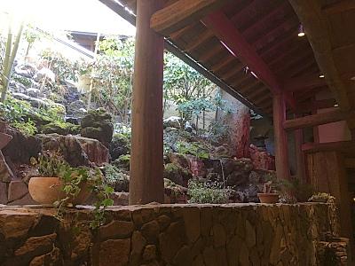自然を生かした庭園